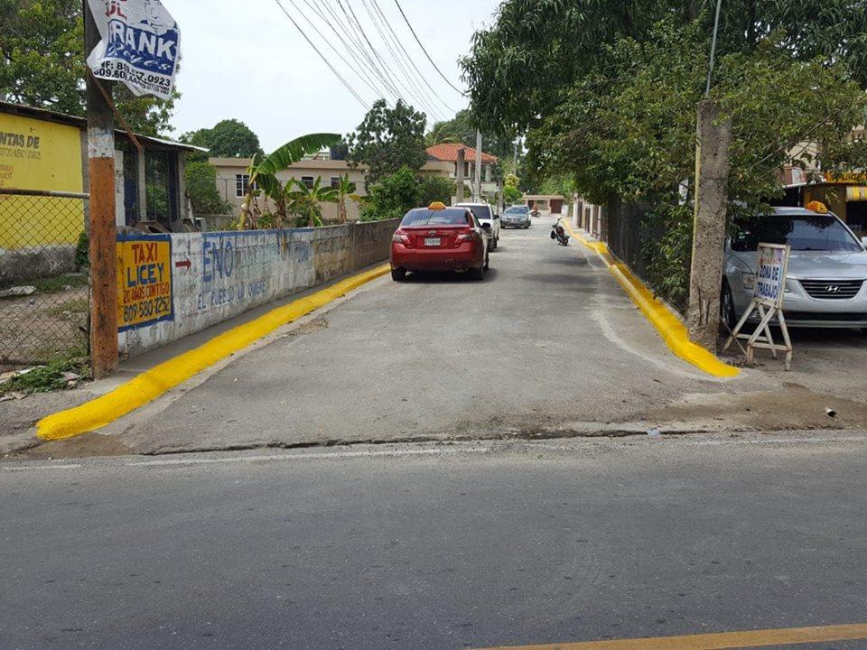 Construcción de Ceras y Contenes en la Calle Taxi Licey barrio los Rodríguez