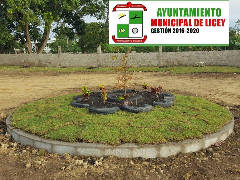 Ayuntamiento en coordinación y colaboración de La Refinería de Petróleo y FUNDIPLAN, en el sector de La Chiva.