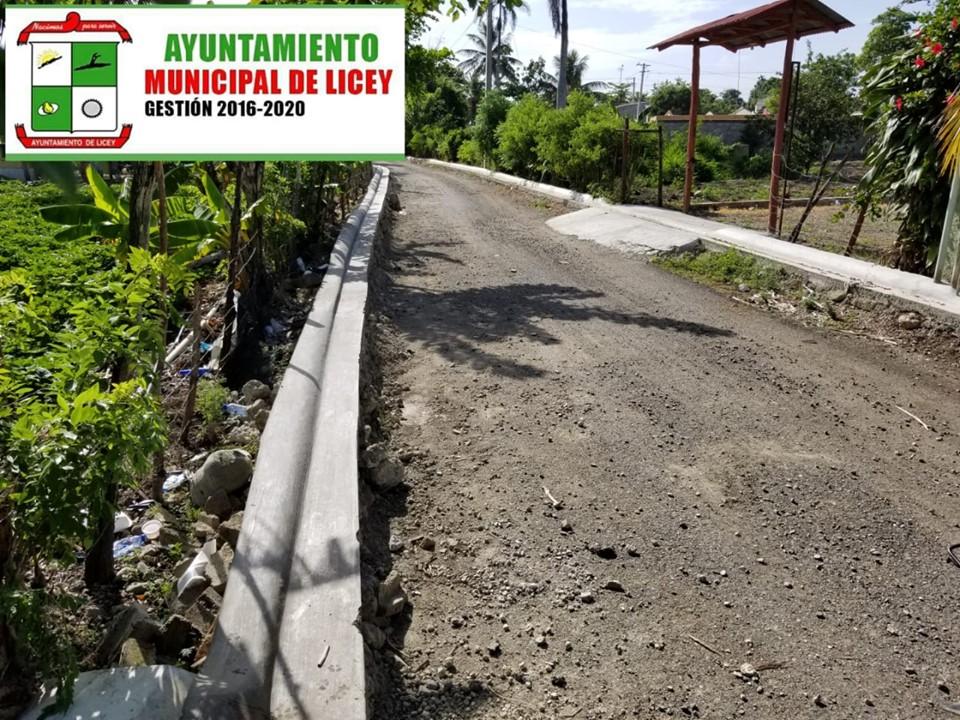 Así luce la calle Rolando Minaya del sector la Chiva